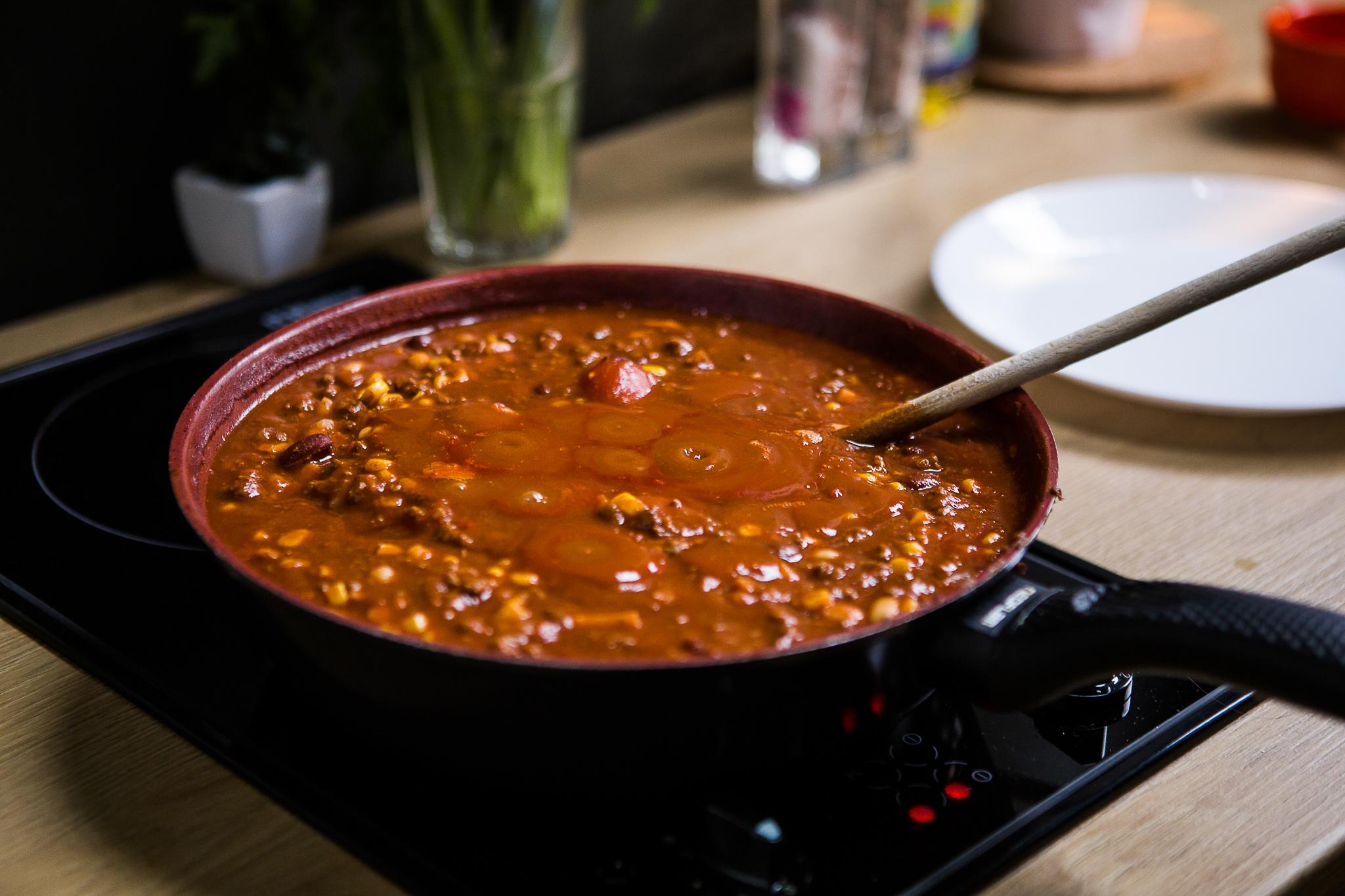 reteta alex star fasole porumb chilli con carne