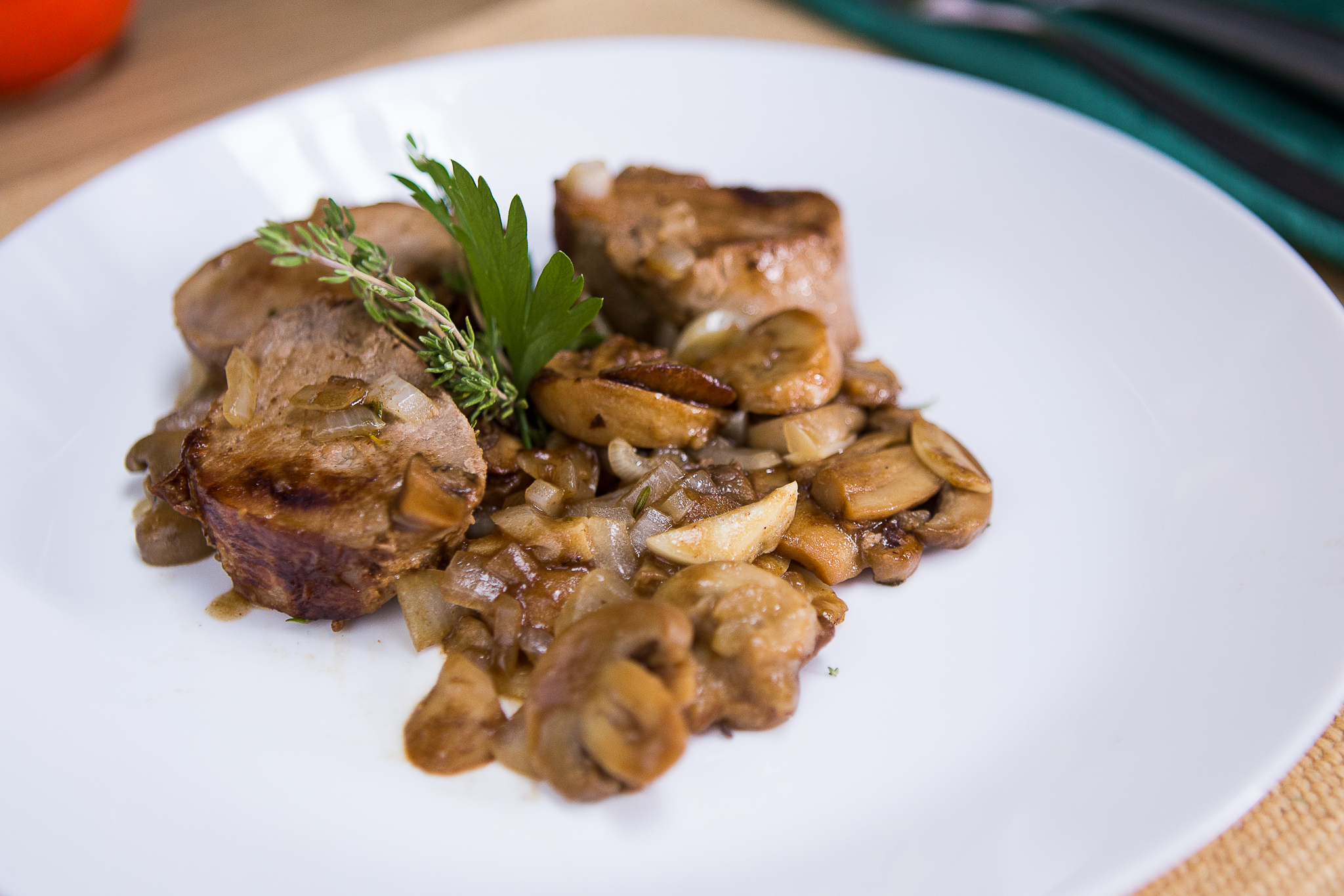 pranz special si ultra rapid cu reteta alex star muschiulet de porc cu ciuperci